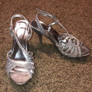 sparkly heels worn once for homecoming